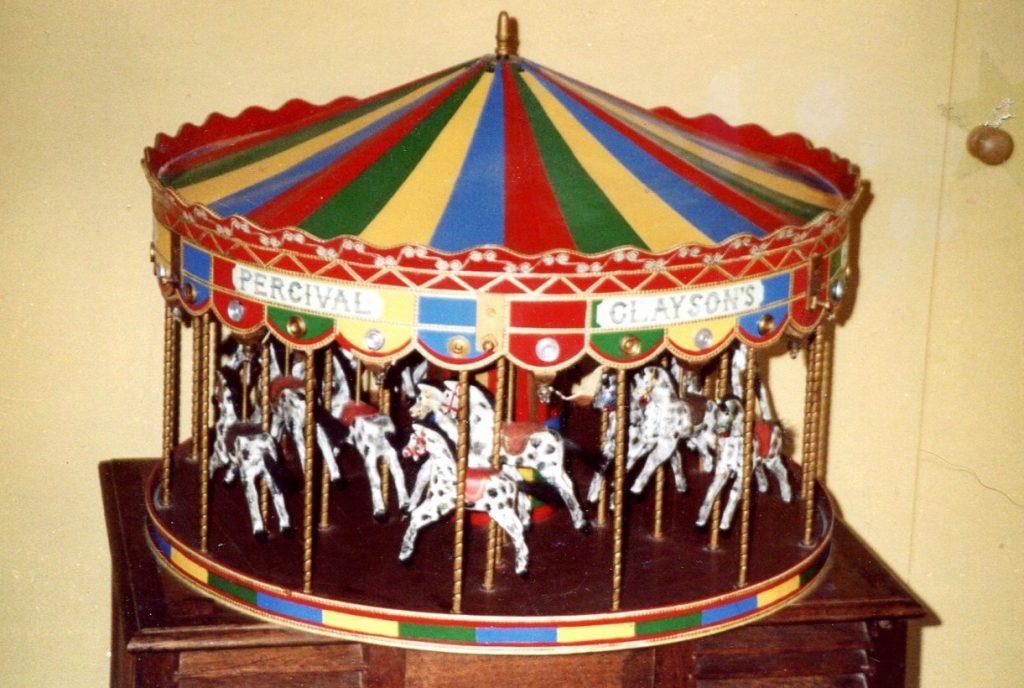 Carousel 001